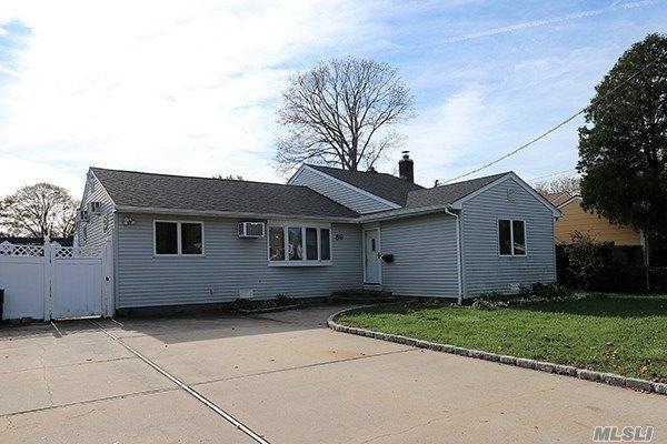 86 Nims Ave, W. Babylon, NY 11704 (MLS #3079897) :: Netter Real Estate