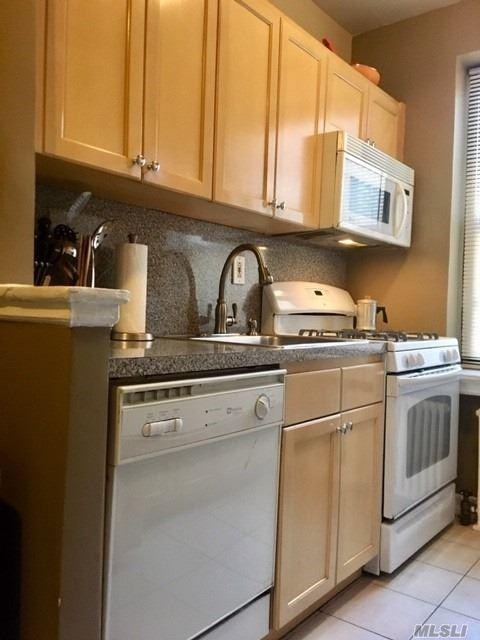 19-46 80th St, Jackson Heights, NY 11370 (MLS #3080096) :: Netter Real Estate