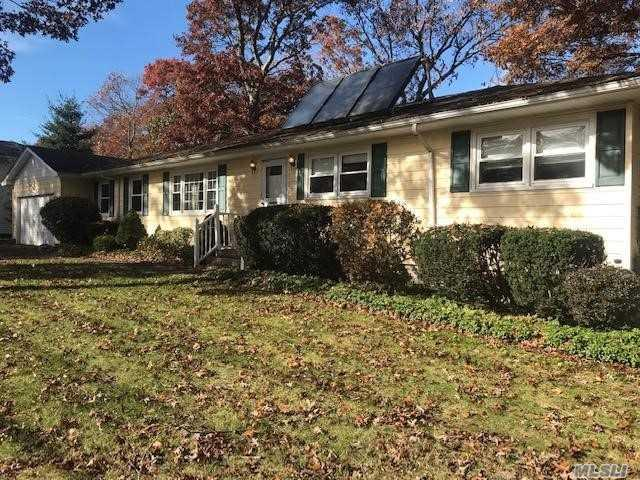 5 Lolly Ln, Centereach, NY 11720 (MLS #3080553) :: Keller Williams Points North