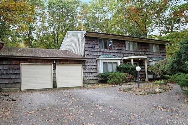 30 Clayton Dr, Dix Hills, NY 11746 (MLS #3080559) :: Keller Williams Points North