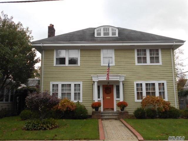 36 Darina Ct, Hempstead, NY 11550 (MLS #3081029) :: The Lenard Team