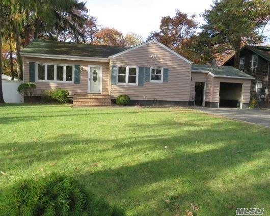 1398 Illinois Ave, Bay Shore, NY 11706 (MLS #3081665) :: Netter Real Estate