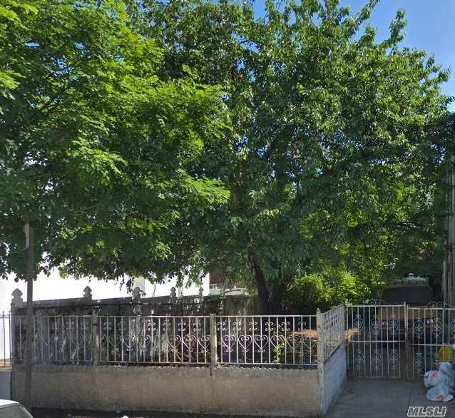 709 Shepherd Ave, Brooklyn, NY 11208 (MLS #3081754) :: Netter Real Estate