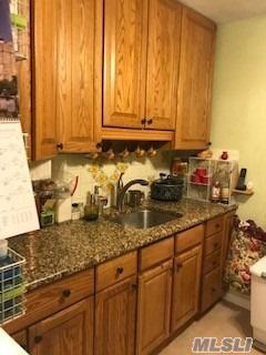 68-12 150 St 464B, Kew Garden Hills, NY 11367 (MLS #3082274) :: Netter Real Estate