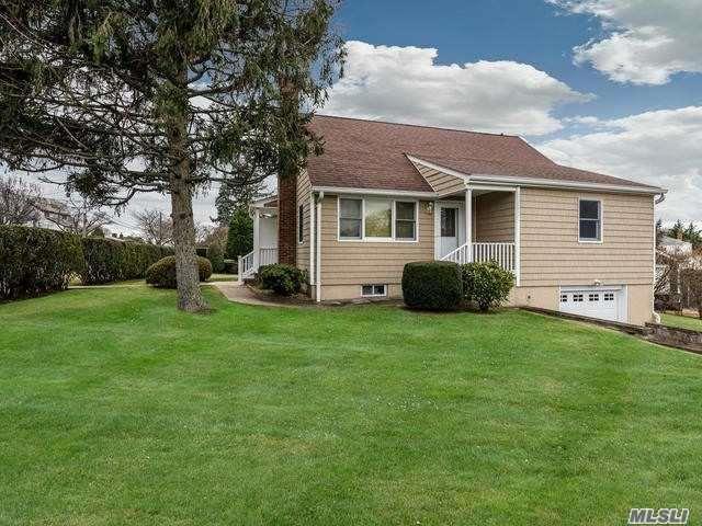 51 11th St St, Locust Valley, NY 11560 (MLS #3082640) :: Signature Premier Properties