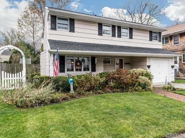 5 Bettina Ct, Huntington Sta, NY 11746 (MLS #3083111) :: Signature Premier Properties