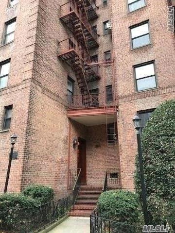 34-20 78 St 3 B, Jackson Heights, NY 11372 (MLS #3083437) :: Netter Real Estate