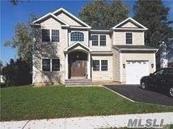31 Richfield St, Plainview, NY 11803 (MLS #3086237) :: Signature Premier Properties