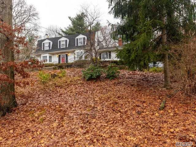7 Bridle Path Rd, Smithtown, NY 11787 (MLS #3086512) :: Signature Premier Properties