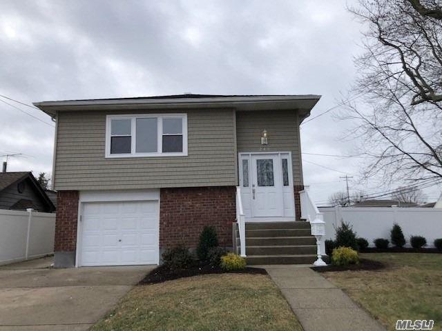 240 N Pine St, Massapequa, NY 11758 (MLS #3087279) :: Signature Premier Properties