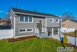 345 Maplewood St, Islip Terrace, NY 11752 (MLS #3087348) :: Signature Premier Properties