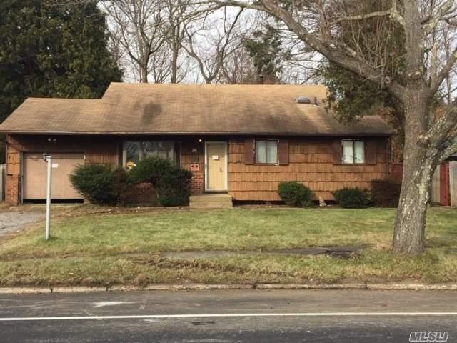 36 Wren Ct, Northport, NY 11768 (MLS #3087722) :: Signature Premier Properties