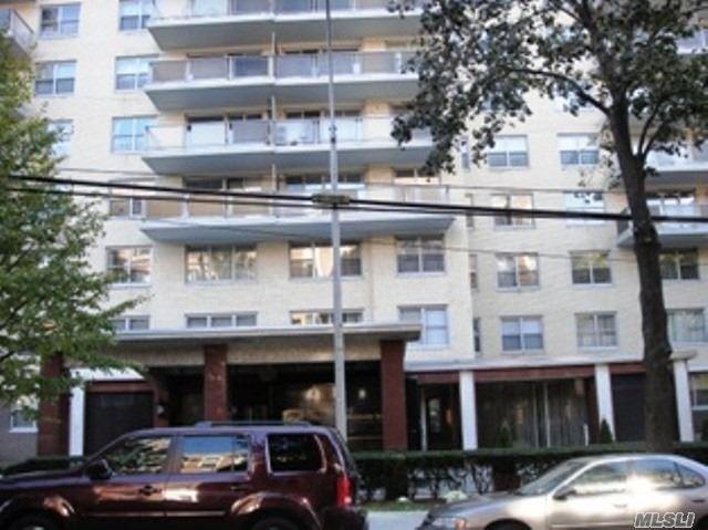 175-20 Wexford Ter 9J, Jamaica Estates, NY 11432 (MLS #3087801) :: HergGroup New York