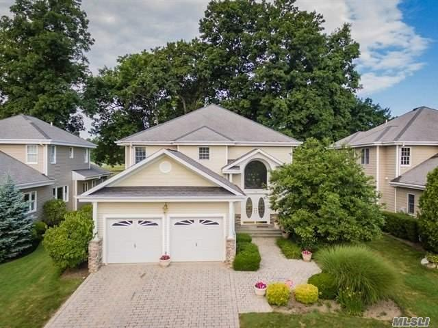 76 Redan Dr, Smithtown, NY 11787 (MLS #3088073) :: Keller Williams Points North
