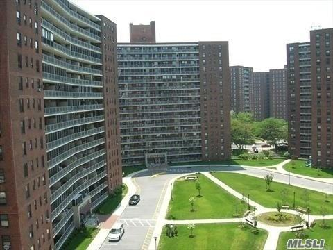 61-55 98th St 11H, Rego Park, NY 11374 (MLS #3090742) :: Netter Real Estate