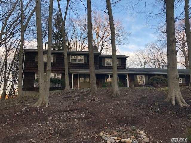 1 Toga Dr, Stony Brook, NY 11790 (MLS #3092329) :: Keller Williams Points North