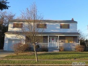 388 Concord Ave, Lindenhurst, NY 11757 (MLS #3094303) :: Netter Real Estate