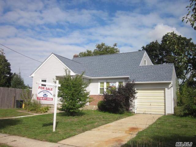 Massapequa, NY 11758 :: Signature Premier Properties