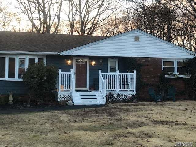 472 Miller Place Rd, Miller Place, NY 11764 (MLS #3094646) :: Keller Williams Points North