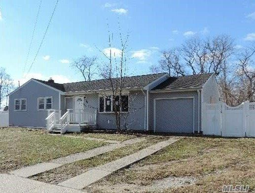 50 E Hamilton Ave, Massapequa, NY 11758 (MLS #3094949) :: Signature Premier Properties