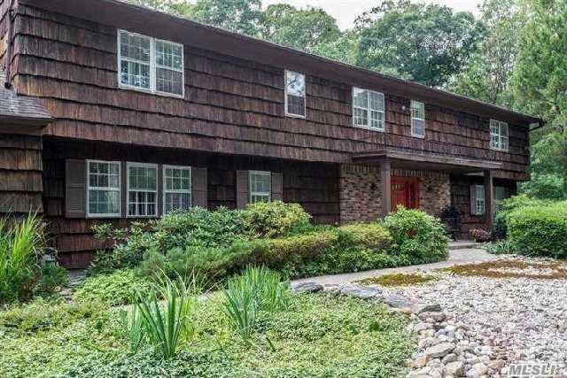 7 Midvale Ct, E. Northport, NY 11731 (MLS #3098365) :: Netter Real Estate
