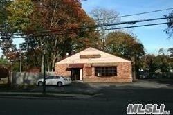1259 Grundy Ave, Holbrook, NY 11741 (MLS #3099119) :: The Lenard Team