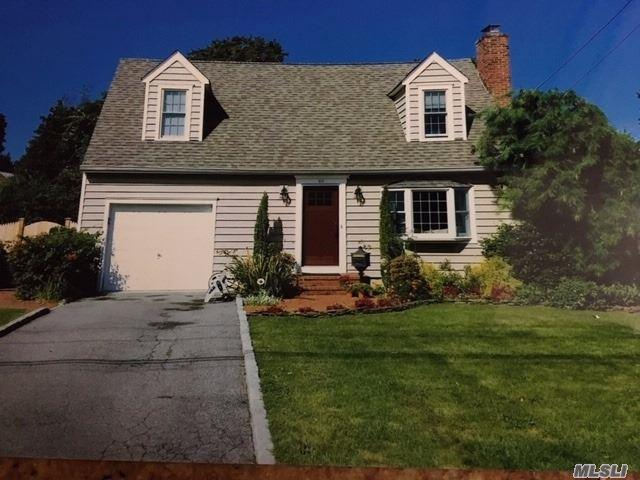 117 Burr Ave, Northport, NY 11768 (MLS #3100519) :: Signature Premier Properties