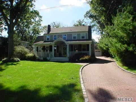 341 Woodland Dr, Brightwaters, NY 11718 (MLS #3100679) :: Netter Real Estate