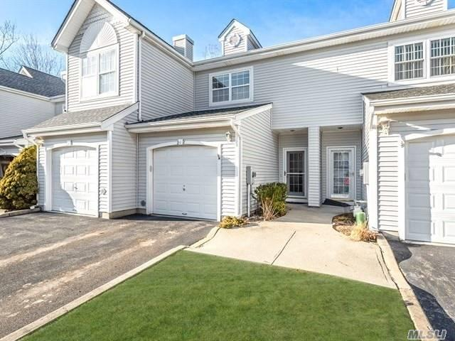 218 Windward Ct. N, Port Jefferson, NY 11777 (MLS #3102018) :: Netter Real Estate