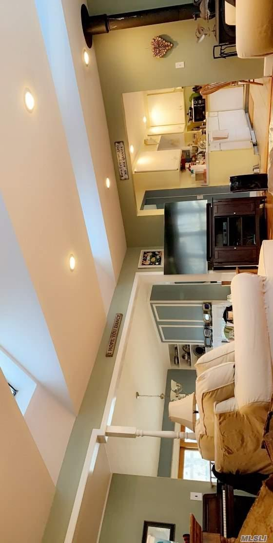 57 N 7th Ave, Huntington Sta, NY 11746 (MLS #3102224) :: Signature Premier Properties