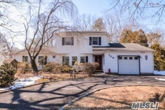 130 Lawrence Ave, Hauppauge, NY 11788 (MLS #3108263) :: Keller Williams Points North
