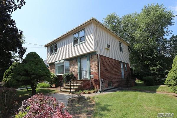 28-04 210th Pl, Bayside, NY 11360 (MLS #3109257) :: Shares of New York