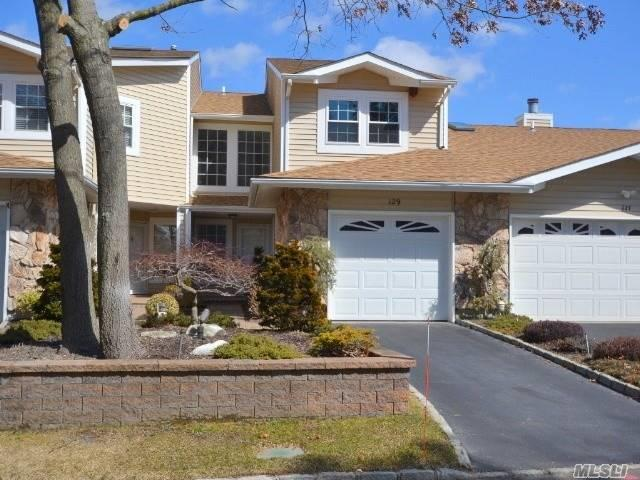 129 Fairfield Dr, Holbrook, NY 11741 (MLS #3110850) :: Shares of New York