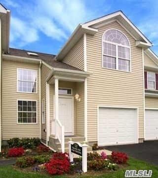 66 Crossbar Rd, Medford, NY 11763 (MLS #3110987) :: Signature Premier Properties