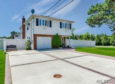130 Irene St, Lindenhurst, NY 11757 (MLS #3111089) :: Netter Real Estate