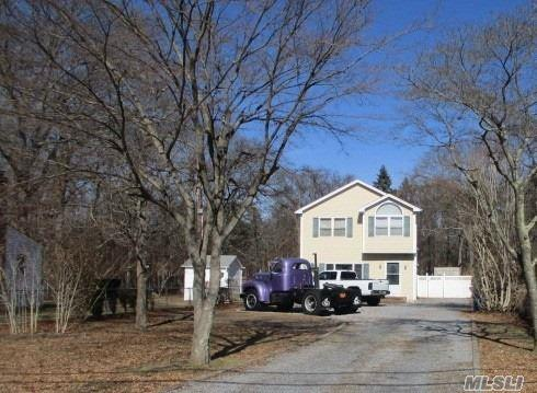 23 Middle Line Ave, Medford, NY 11763 (MLS #3111366) :: Signature Premier Properties