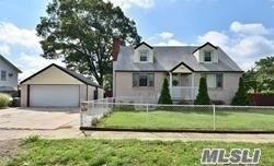 905 6 St, W. Babylon, NY 11704 (MLS #3111419) :: Netter Real Estate