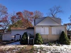 105 Putnam Ave, W. Babylon, NY 11704 (MLS #3111488) :: Netter Real Estate