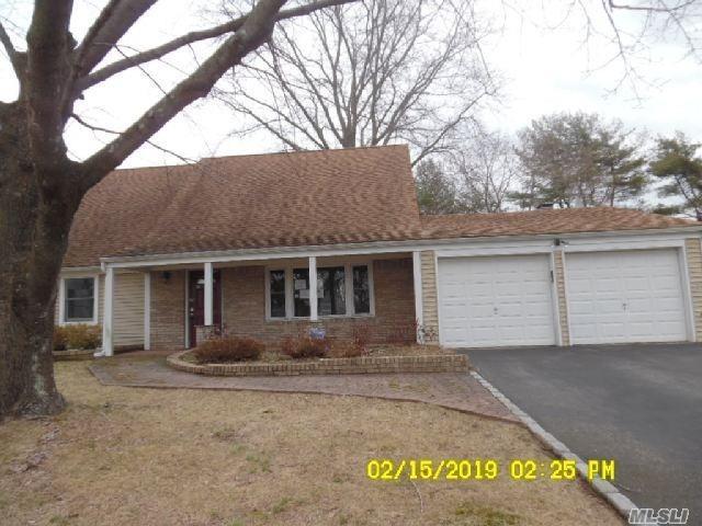 7 Millstream Ln, Stony Brook, NY 11790 (MLS #3111772) :: Keller Williams Points North