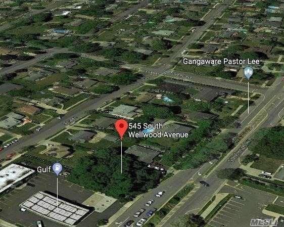 545 S Wellwood Ave, Lindenhurst, NY 11757 (MLS #3111978) :: Netter Real Estate