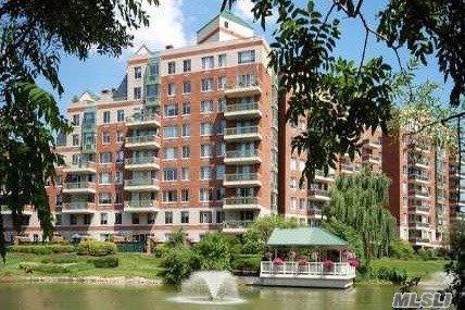 111 Cherry Valley Ave M5, Garden City, NY 11530 (MLS #3112104) :: Signature Premier Properties