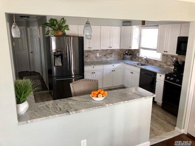 71 Deforest Ave, West Islip, NY 11795 (MLS #3112106) :: Netter Real Estate