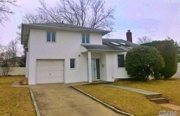9 Fresno Dr, Plainview, NY 11803 (MLS #3112301) :: Netter Real Estate