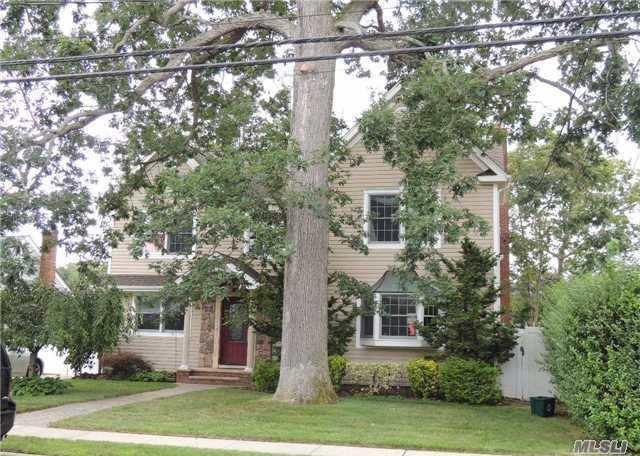 1732 Washington Ave, Seaford, NY 11783 (MLS #3112325) :: Netter Real Estate