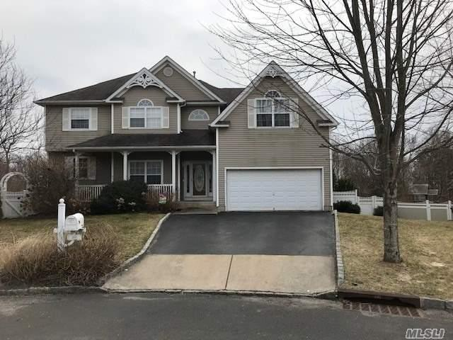 69 Manorview Way, Manorville, NY 11949 (MLS #3112421) :: Keller Williams Points North