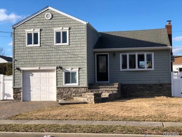 469 N Syracuse Ave, Massapequa, NY 11758 (MLS #3112460) :: Signature Premier Properties