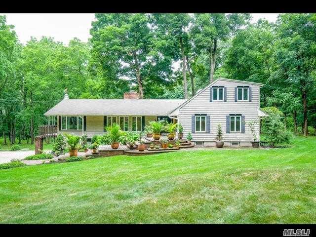 7 Fiddlers Green Dr, Lloyd Harbor, NY 11743 (MLS #3115433) :: Signature Premier Properties