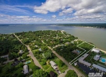 54 Rampasture Rd, Hampton Bays, NY 11946 (MLS #3116698) :: Netter Real Estate