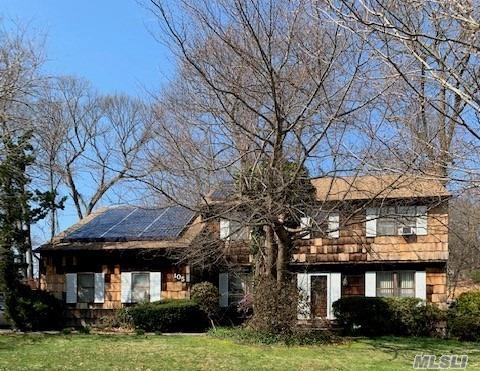 105 N Truxton Rd, Dix Hills, NY 11746 (MLS #3119165) :: Signature Premier Properties