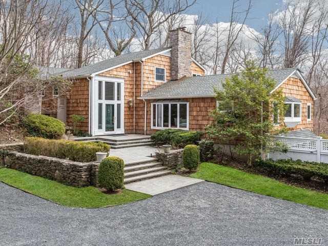 1160 Cove Edge Rd, Laurel Hollow, NY 11791 (MLS #3119258) :: Signature Premier Properties